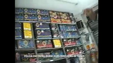 Dono de loja que explodiu tem mais fogos escondidos em Santo ...