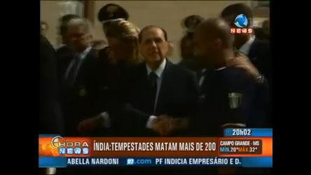 Berlusconi vai ajudar a Sicília - Record News - R7 Hora News
