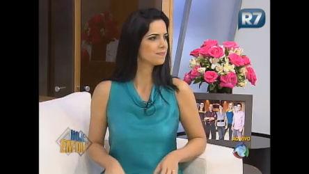 Epa!!! Mariana Leão leva susto ao vivo - Entretenimento - R7 ...