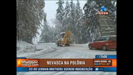Nevasca assusta moradores na Polônia - Record News Play - R7 ...