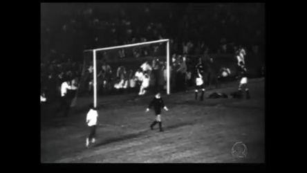 Milésimo gol de Pelé completa 40 anos - Rede Record