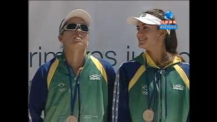 Brasil é ouro no vôlei de praia feminino - Esportes - R7 Mais Esportes