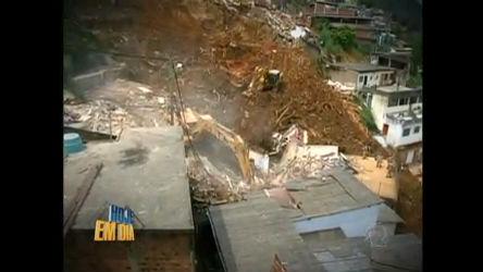 Prefeitura de Angra faz demolição de casas construídas em áreas ...