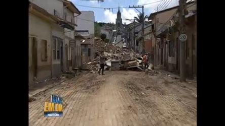 Moradores trabalham na reconstrução de São Luiz do Paraitinga ...