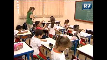 Alunos da rede pública recebem reforço escolar em Barretos (SP ...