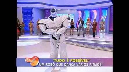 Robô gigante se rende ao Rebolation - Record Play - R7 Tudo é ...