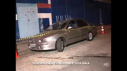Jovens irritados atiram em rapaz que demorou para estacionar em SP