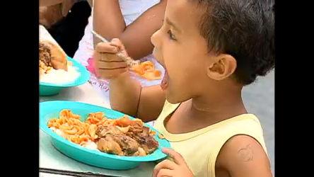 Natal solidário faz alegria de famílias na zona sul de São Paulo ...