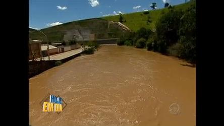 Moradores de São Luiz do Paraitinga (SP) temem chuva ...