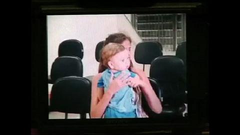 Bebê volta para a mãe após ser sequestrado pelo próprio pai no Rio