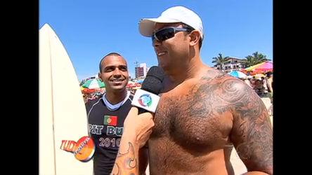 O intruso apronta todas em praia de Guarujá (SP) - Record Play ...