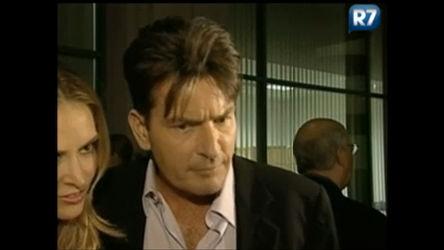 Atriz pornô diz que Charlie Sheen será pai - Entretenimento - R7 ...