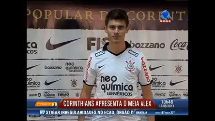 Corinthians apresenta o meia Alex como novo reforço para o ...
