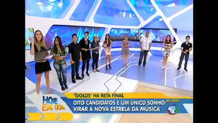 Finalistas de Ídolos relembram noite brega no palco do Hoje em Dia ...