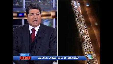 Veja como está a saída para o feriado em SP - Notícias - R7 Cidade ...