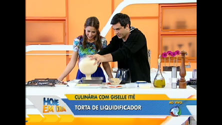 Edu Guedes e Giselle Itié preparam torta de liquidificador ...