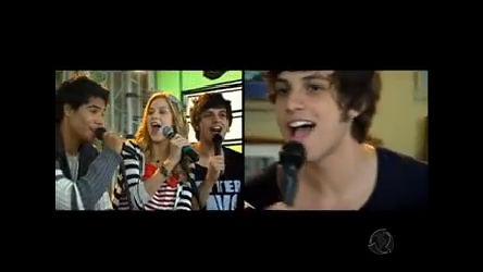 Banda canta sucesso Juntos até o Fim - Rebelde - R7 Fã Clube