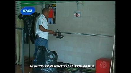 Comerciantes abandonam lojas por causa de assaltos em São ...