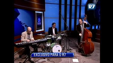 Veja a apresentação do Zimbo Trio no encerramento do jornal ...