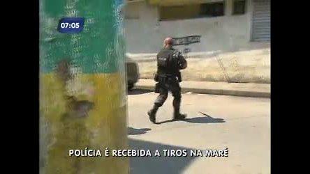 Polícia é recebida a tiros durante operação na Maré ( RJ) - Rio de ...