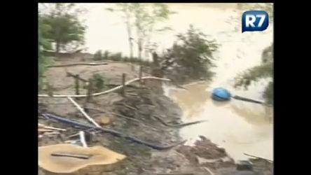 Deslizamento desabriga famílias no Vale do Itajaí ( SC) - Notícias ...