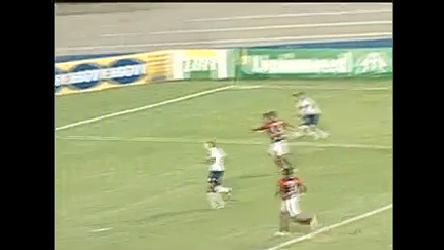 Corinthians vence Atlético Paranaense e segue líder do Brasileirão ...