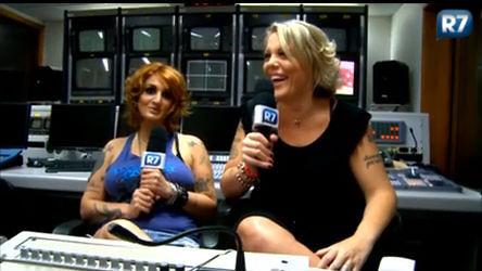 Lele e Clara fazem especulações para o Big Brother Brasil 12 ...
