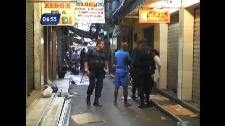 Homem é encontrado morto na Rocinha (RJ) - Rio de Janeiro - R7 ...