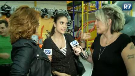 Chris Flores fala para Lele e Clara que desconfiou da supergrávida
