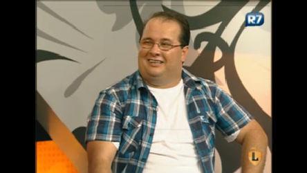 Elcio Coronato recebe blogueiro que conta piadas em vídeos na ...