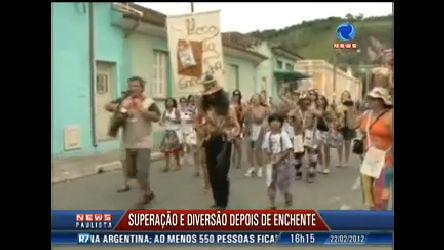 Foliões se divertem no Carnaval de São Luiz do Paraitinga (SP ...