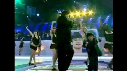 Rodrigo Faro imita Sidney Magal no Dança Gatinho deste sábado (19)