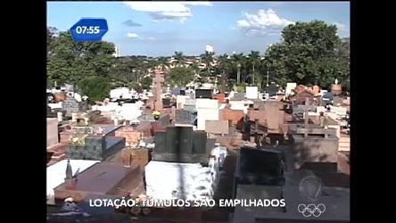 Denúncia: túmulos são empilhados no interior paulista - Rede Record