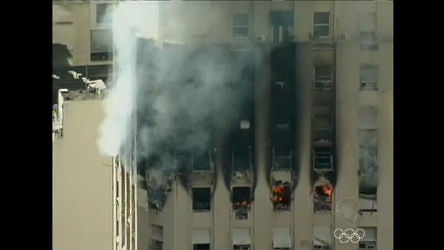 Incêndio atinge três dos 20 andares de prédio no centro do Rio de ...