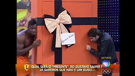 Gustavo Salyer ganha presente do Legendários - Entretenimento ...