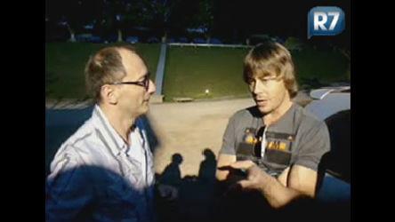 Britto Jr. entrevista Theo Becker antes de ex-peão voltar à Fazenda ...