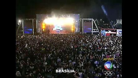 Ônibus da Record finaliza viagem semeando em Brasília o espírito ...
