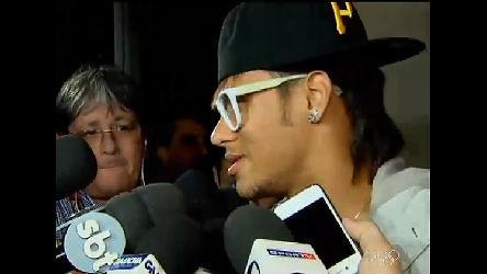 Neymar causa alvoroço na apresentação da seleção olímpica ...