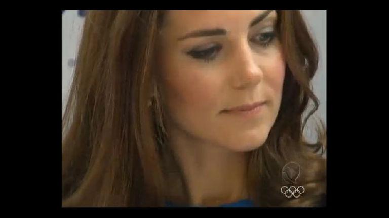 No clima da Olimpíada, Kate Middleton confere exposição sobre ...