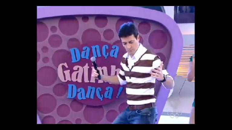 Rodrigo Faro aprende a dançar Mata o Papai com vocalista do ...