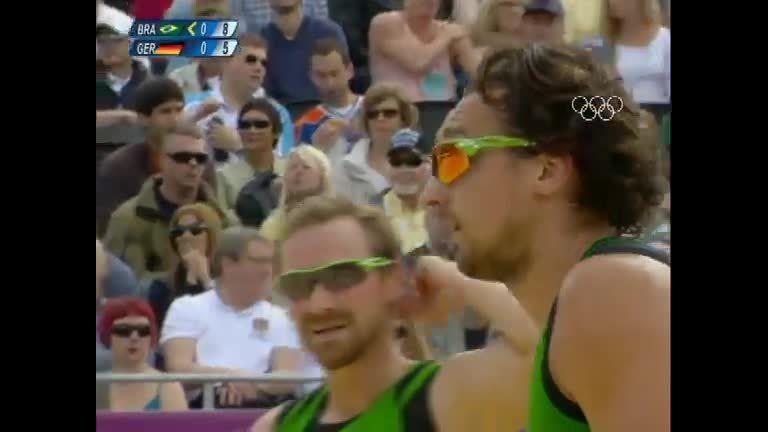 Arrasadora, dupla do vôlei de praia é esperança de ouro do Brasil ...