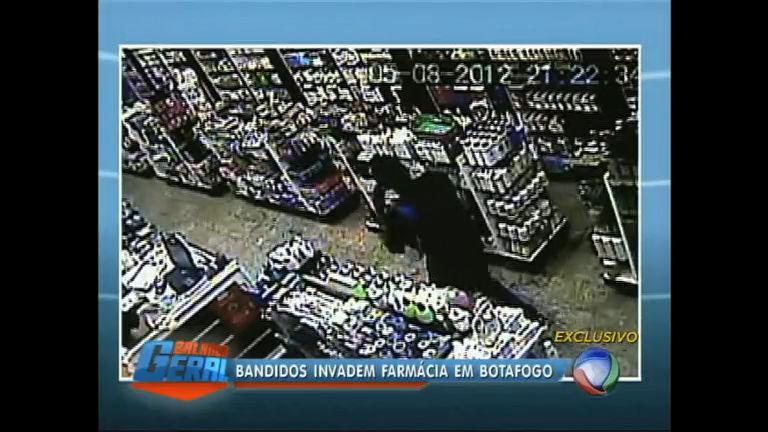 Ladrões levam remédio para impotência em assalto a farmácia de ...