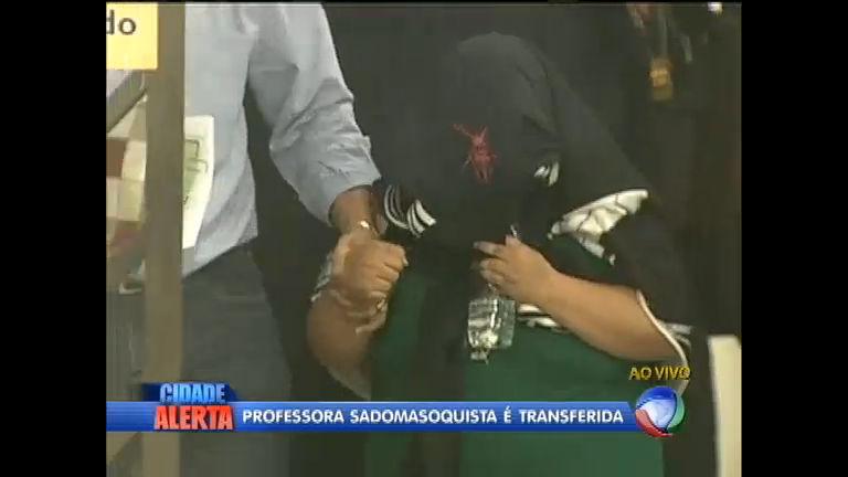 Professora sadomasoquista acusada de pedofilia é transferida de ...