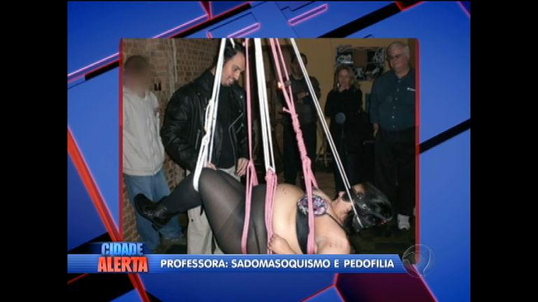 Polícia mostra novas fotos de professora sadomasoquista acusada ...