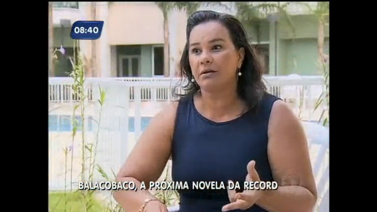 Solange Couto vive golpista cheia de disfarces em Balacobaco ...
