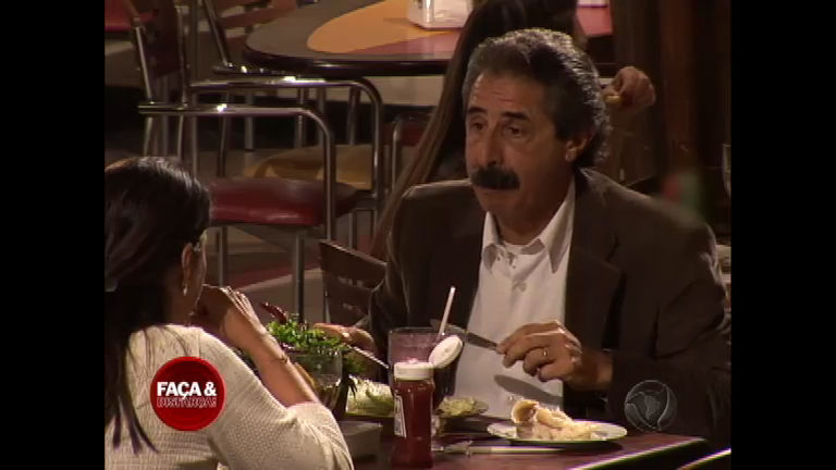 Dono de um charmoso bigodão, Alberto participa do Faça & Disfarça