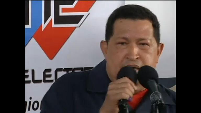 Hugo Chávez é reeleito para o quarto mandato na Venezuela ...