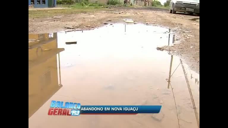 Moradores de Nova Iguaçu (RJ) reclamam de alagamentos - Rio de ...