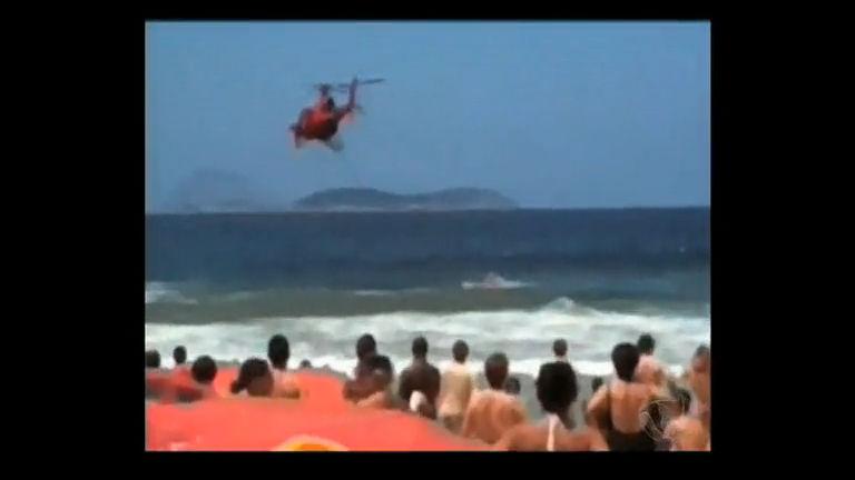 Bombeiros resgatam banhista em Ipanema (RJ) - Rio de Janeiro ...