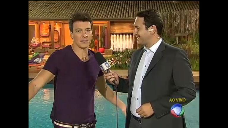 Rodrigo Faro conta novidades ao vivo direto da sede da Fazenda ...